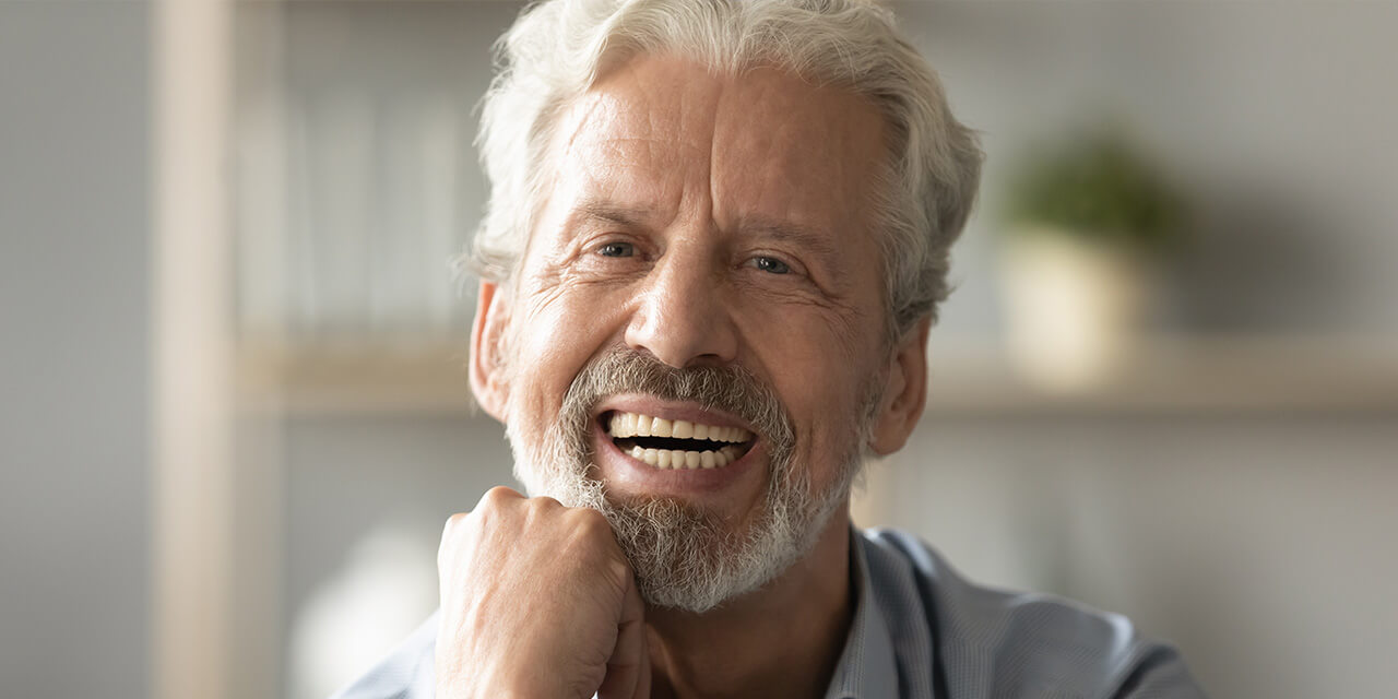 Cleaning your dentures