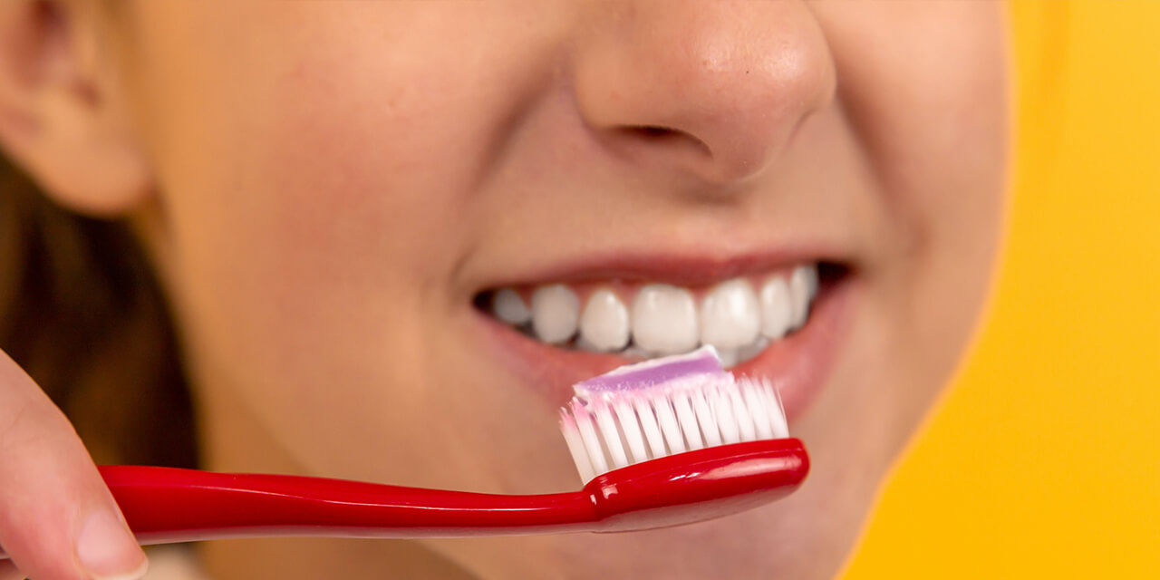 Toothpastes with whitening effects: Clean yes, but are they actually white?